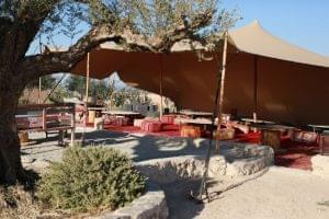 terrasse-restaurant-tente-desert-jpg_0000014727mjh234ub4j_l